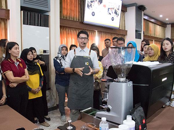 """เทศบาลนครยะลาจัดอบรมการชงกาแฟระดับมืออาชีพ """"Yala Barista Workshop"""""""