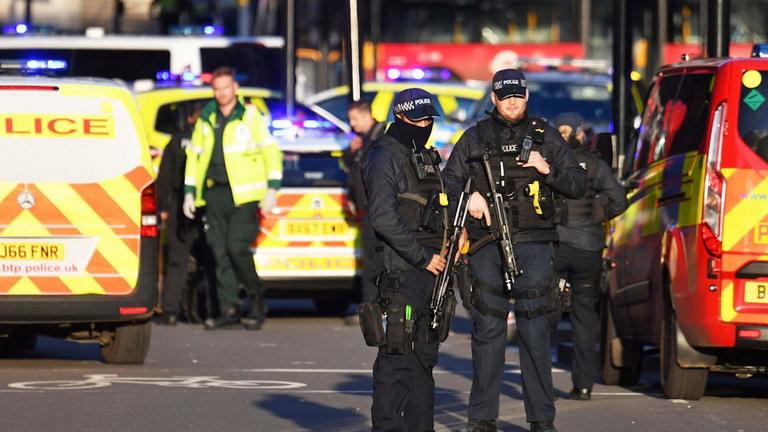 อังกฤษจ่อเพิ่มโทษจำคุกผู้ก่อการร้าย-ไม่อนุญาตปล่อยตัวก่อนกำหนด