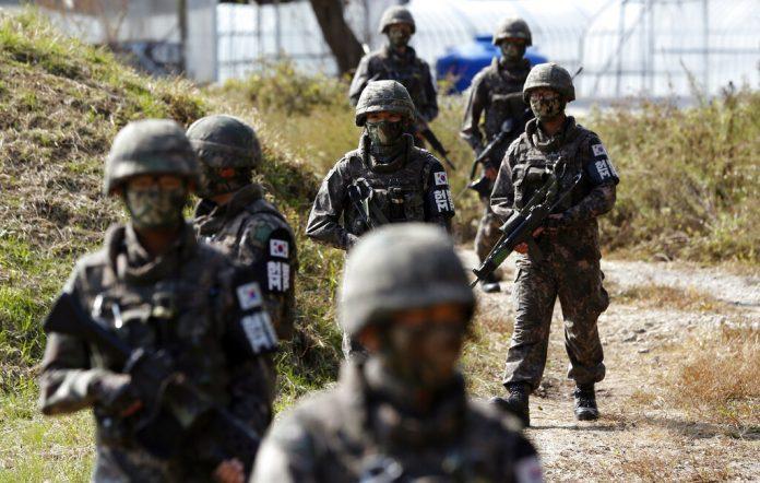"""ทัพเกาหลีใต้ปลด """"ทหารข้ามเพศ"""" คนแรก หลังดอดผ่าตัดแปลงเพศในไทย"""