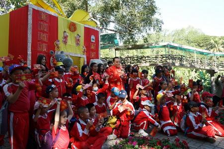 สวนสัตว์เชียงใหม่มอบอั่งเปาแพนด้าหลินฮุ่ยเปิดซุ้มมังกรรับ นทท.ฉลองตรุษจีน