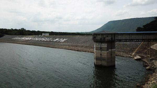 แล้งทวีรุนแรง! น้ำเขื่อนใหญ่โคราชลดฮวบเหลือใช้แค่ 28%  3 รพ.จ่อขาดน้ำ จังหวัดฯเร่งช่วย