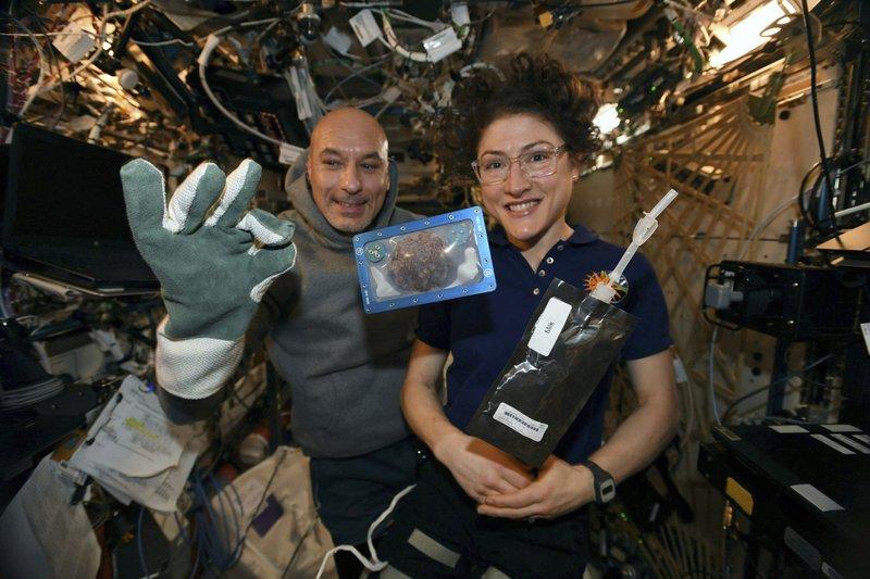 โลกประสบความสำเร็จในการอบคุกกี้บนสถานีอวกาศได้เป็นครั้งแรก
