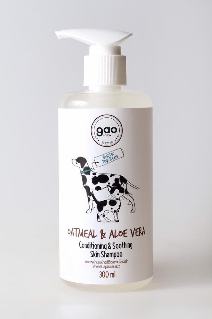 Oatmeal & Aloe Vera Conditioning & Soothing Skin Shampoo (โอ้ตมีล แอนด์ อโลเวร่า คอนดิชั่นนิ่ง แอนด์ ซูธิ้ง สกิน แชมพู) แชมพูน้ำนมข้าวโอ้ตและอโลเวร่าสำหรับสุนัขและแมว สูตรบำรุงผิวหนังสำหรับผิวแห้ง ผื่นคัน อักเสบ แพ้ง่าย คืนกลับความชุ่มชื้นตามธรรมชาติให้กับผิวหนัง