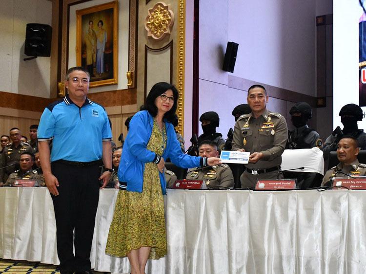 เมืองไทยประกันภัย มอบเงินรางวัลนำจับเหตุการณ์ปล้นร้านทอง จ.ลพบุรี