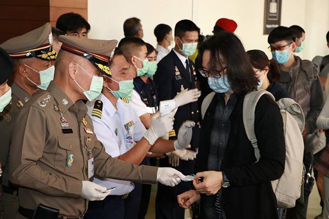 """สตม.ยันไทยคัดกรองโรคได้มาตรฐาน WHO ตั้งเทอร์โมสแกน รับเจอผู้ป่วยติดเชื้อ """"ไวรัสโคโรน่า""""รายที่ 5"""