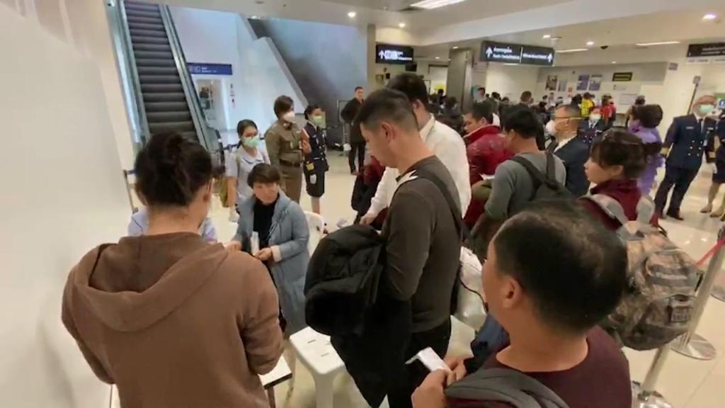 """""""เชียงใหม่""""ตรวจเข้มเที่ยวบินกว่างโจว ส่ง จนท.เฝ้าจับตานักท่องเที่ยวจีนทุกจุด"""