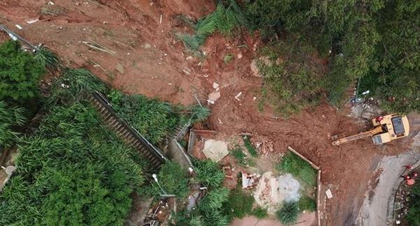 In Clip: ฝนร้อยปีบราซิลทำดินถล่ม-น้ำท่วมฉับพลัน แค่ 2 วันตายไปแล้ว 30