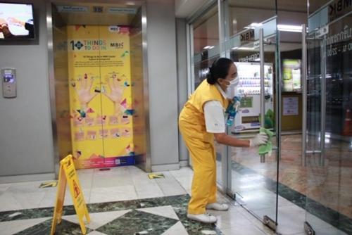 ศูนย์การค้าเครือเอ็ม บี เค เพิ่มมาตรการเฝ้าระวังและป้องกันการแพร่ระบาดไวรัสโคโรนา