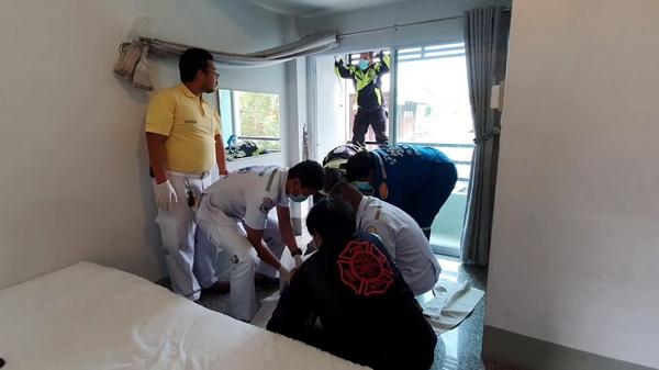 ผู้รับเหมาเครียดตกงาน  เช่าห้องโรงแรมดัง ผูกคอหนีหนี้