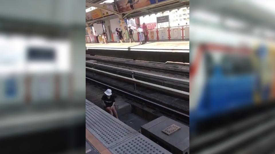แนะเผื่อเวลา! ผู้โดยสารตกลงไปในราง รถไฟฟ้าบีทีเอสราชเทวี ทำขบวนรถสายสุขุมวิทล่าช้า
