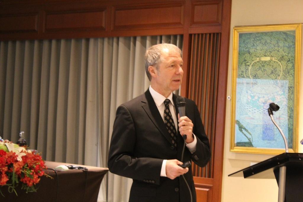ศาสตราจารย์ ดร.ราล์ฟ เอฟ ดับเบิลยู บาร์เทนชลากเกอร์ ผู้ได้รับพระราชทานรางวัลสมเด็จเจ้าฟ้ามหิดล ประจำปี พ.ศ.2562