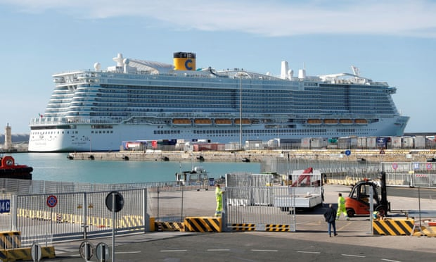 อิตาลีกัก 6,000 ชีวิตบนเรือสำราญ หลังพบผู้แสดงอาการคล้ายติดเชื้อไวรัสโคโรนา