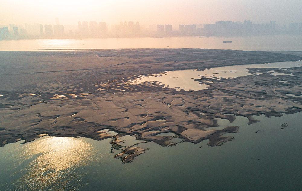 เทียนซิ่งโจว มหัศจรรย์สันทรายแห่งแยงซีเกียง (ภาพ : ซินหัว)