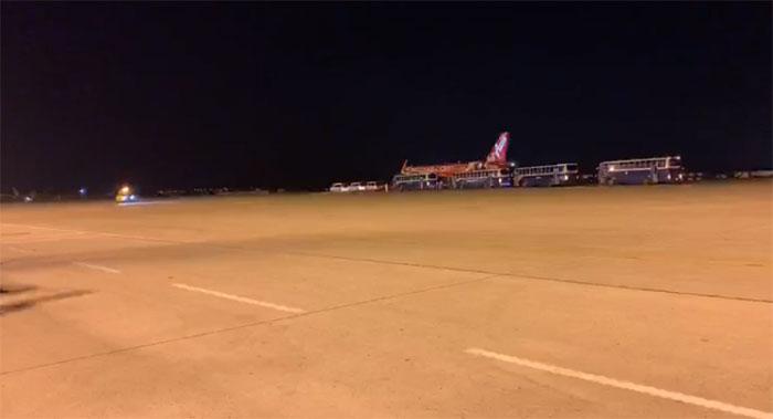 เครื่องบินรับคนไทยจากอู่ฮั่นถึงอู่ตะเภาแล้ว มี 2 รายป่วยไม่ได้กลับมาด้วย