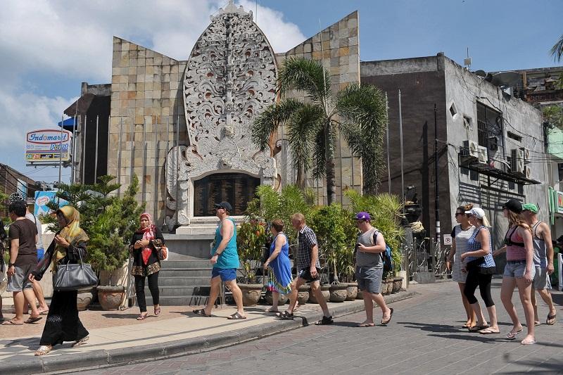 """อินโดนีเซียห่วงเสียรายได้ท่องเที่ยว """"1.2 แสนล้านบาท"""" หากไวรัสยังแพร่ไม่หยุด"""