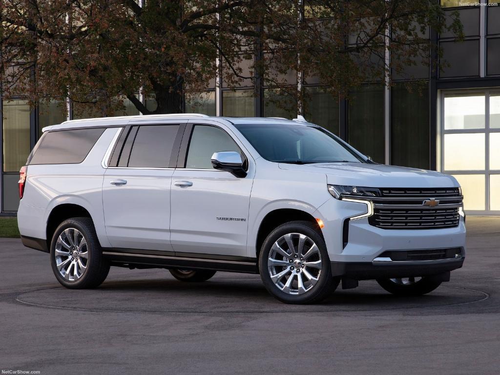 Chevrolet Suburban SUV อเมริกันคันโตมีการกระตุ้นตลาดด้วยรุ่นใหม่ที่ดูแล้วสดใหม่ขึ้น