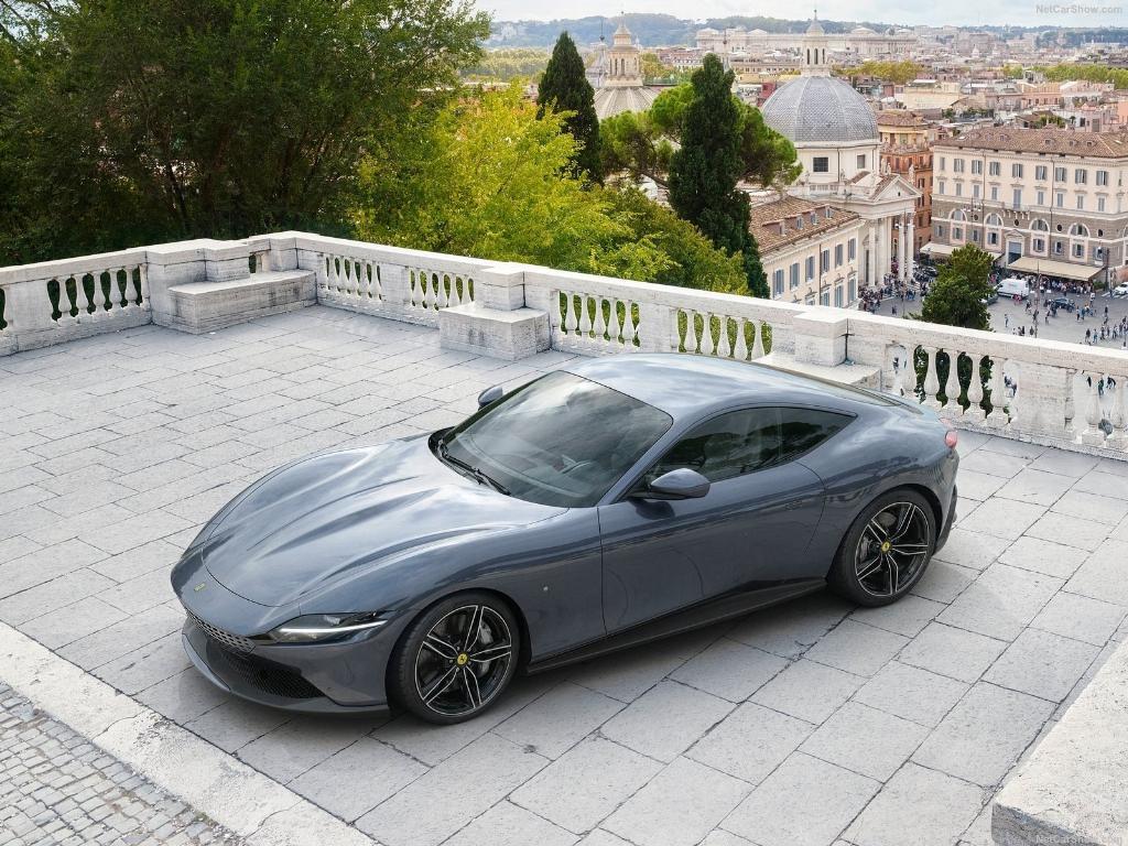 หลังเปิดตัวให้เห็นหน้าตากันเมื่อปีที่แล้ว คราวนี้ GT เครื่องยนต์วางหน้าอย่างรุ่น Roma ของ Ferrari จะได้คิวทำตลาดสักที