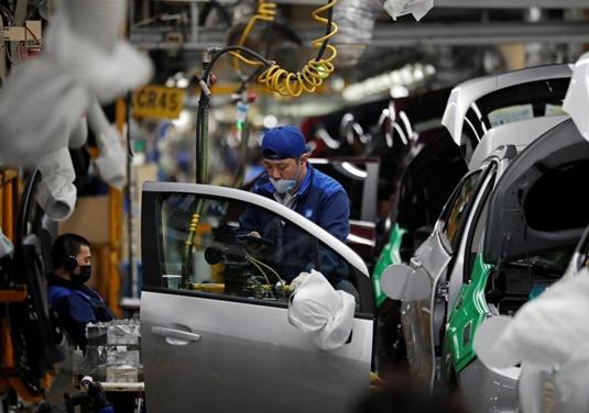 """In Clip:  ค่ายรถยักษ์ใหญ่ GM ในเกาหลีใต้หยุดสายพานการผลิตชั่วคราว โดน """"ไวรัสโคโรน่า"""" เล่นงานซัพพลายเชนจีน """"ปักกิ่ง"""" รับ กลับมาทำงานยากกว่าที่คิด"""