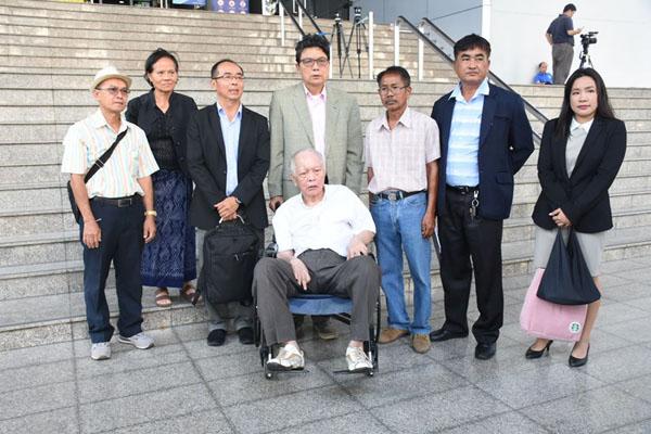 ศาลปล่อยตัวแกนนำกลุ่มพธม.5 คน คดีบุก NBT วงเงินประกัน 3 แสน