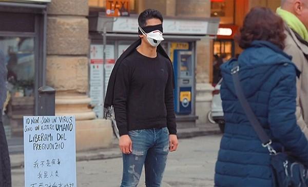 """""""ฉันไม่ใช่ไวรัส ปลดปล่อยฉันออกจากอคติด้วยเถิด"""" หนุ่มอิตาลีเชื้อสายจีนส่งสารต้านลัทธิเหยียดผิว (ชมคลิป)"""