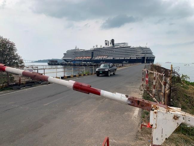 บ.เรือเวสเตอร์ดัมเร่งติดตามผู้โดยสารขึ้นฝั่งกัมพูชาหลังมีรายงานผู้ติดเชื้อ
