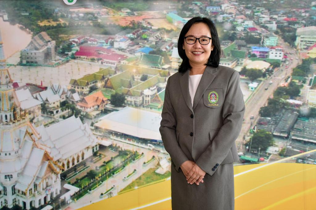 ดร.พันธ์ทิพย์ โอฬารรัตน์มณี ผู้อำนวยการสถาบันวิจัยและพัฒนา มหาวิทยาลัยราชภัฏราชนครินทร์