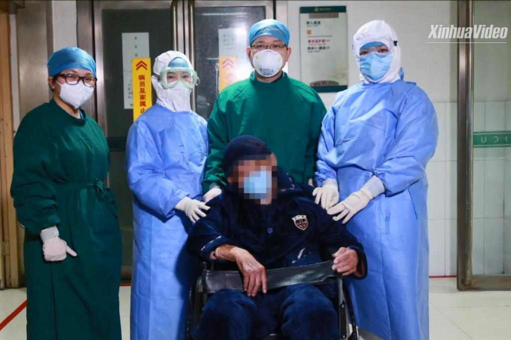"""ผู้เฒ่าวัย 98 ผู้ป่วย """"โควิด-19"""" อายุมากที่สุดในจีน รักษาหายแล้วภายใน 10 วัน"""