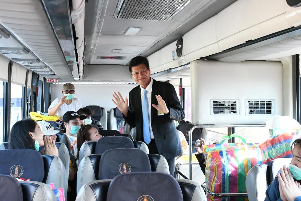 สาธิต ส่ง 137 คนไทยกลับภูมิลำเนาแล้ว