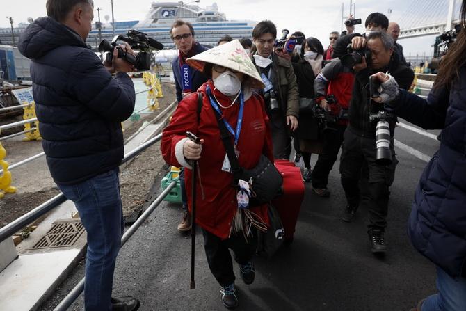 """จวกญี่ปุ่น'กักกันโรค'ผิดพลาดมหันต์ ผู้เชี่ยวชาญหวั่น""""โคโรนา""""ระบาดรอบสอง"""