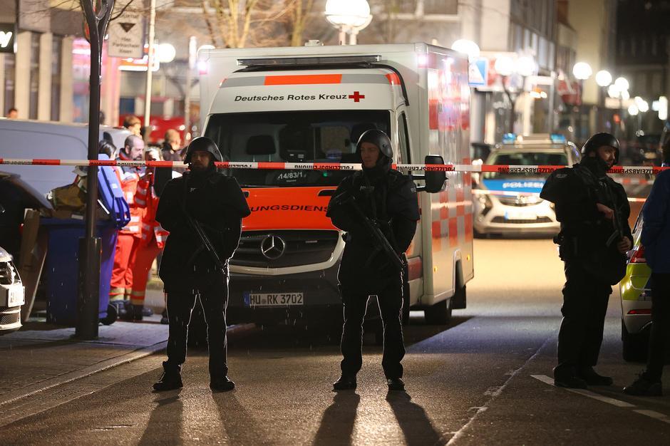 มือปืนบุกกราดยิงบาร์ 2 แห่งในเยอรมนี สังหาร 10 ศพแล้วหนีไปปลิดชีพตัวเอง