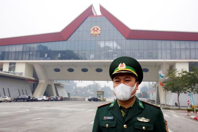 เวียดนามเริ่มคลายข้อจำกัดเปิดด่านชายแดนจีนช่วยธุรกิจลดความเสียหายจากไวรัส
