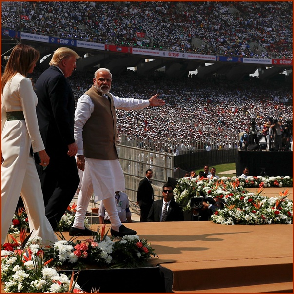 "In Pics&Clip: วอชิงตันชี้ ทรัมป์เยือน ""อินเดีย"" ถ่วงอำนาจปักกิ่ง โมดีจัดคนร่วมแสนต้อนรับ"