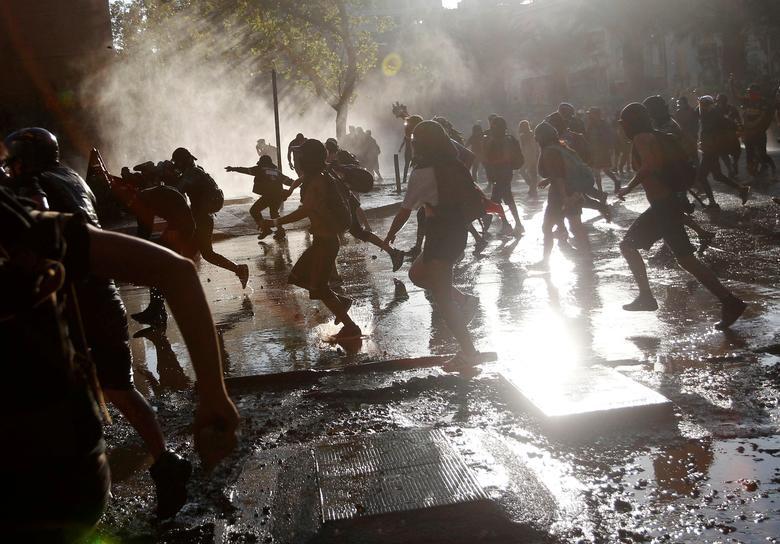 ชาวบ้านในชิลีออกมาประท้วงต่อต้านรัฐบาล