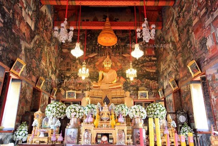 พระพุทธธรรมมิศรราชโลกธาตุดิลก ภายในพระอุโบสถ