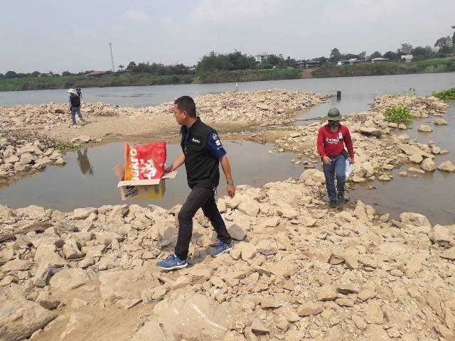 สงสัยพันคดีอุ้มฆ่า!จนท.ส่งตรวจถุงถิ้วสมแดงพบในน้ำเจ้าพระยา หญิงชราโผล่จุดธูปเข้าทรงชี้จุดค้นหา