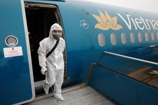 สายการบินเวียดนามลดเงินเดือนจนท.ระดับผู้จัดการหลังไวรัสพ่นพิษกระทบรายได้