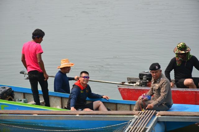 ตร.-กู้ภัยฯ กว่าครึ่งร้อยค้นน้ำปิงต่อ หากระเป๋าต้องสงสัยยัดศพหนุ่มจีนทิ้งน้ำ
