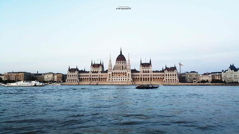 """""""บูดา + เปสต์"""" สองฝั่งที่บรรจบกันจนกลายเป็นเมืองที่ไม่เคยหลับใหลในฮังการี"""