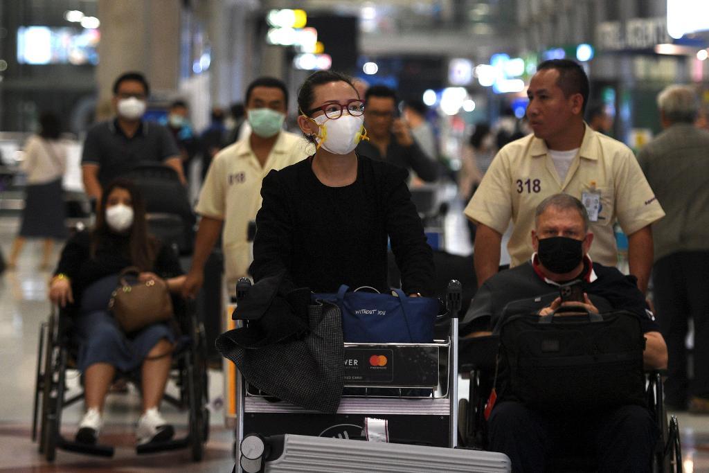 """""""ผีน้อย"""" เข้าไทยแล้ว 158 ราย ตรวจพบมีไข้สูง 17 ราย พบกลับภูมิลำเนา 33 จังหวัด"""