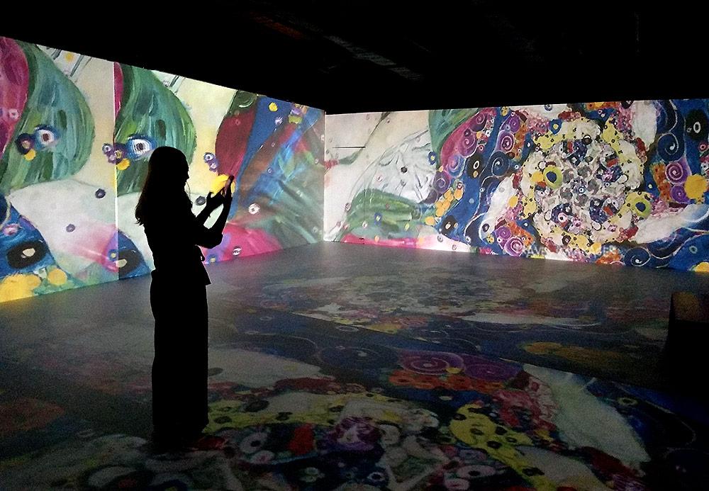 ศิลปะอาร์ตนูโวที่ถูกนำมานำเสนอใหม่ในรูปแบบงานมัลติมีเดียสุดล้ำที่ MODA