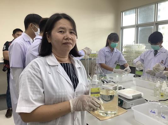 (ชมคลิป)มมส ผลิตสเปรย์เอทานอล75% ยับยั้งภัย COVID-19 จำนวน 6 พันขวดแจกจ่ายนิสิต
