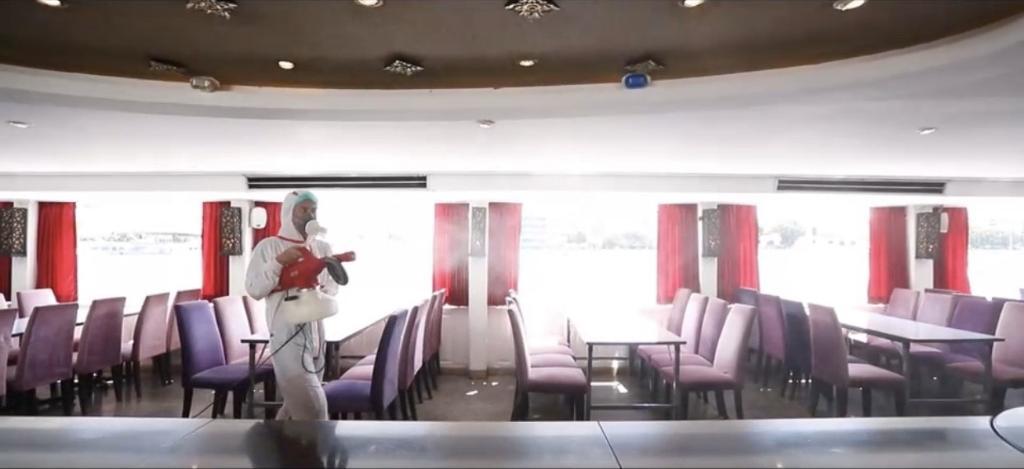 ภาพการฉีดพ่น ผลิตภัณฑ์ คีนน์ เจิม คิลเลอร์ บลัด สเกล แอนด์ ออยล์ รีมูฟเวอร์