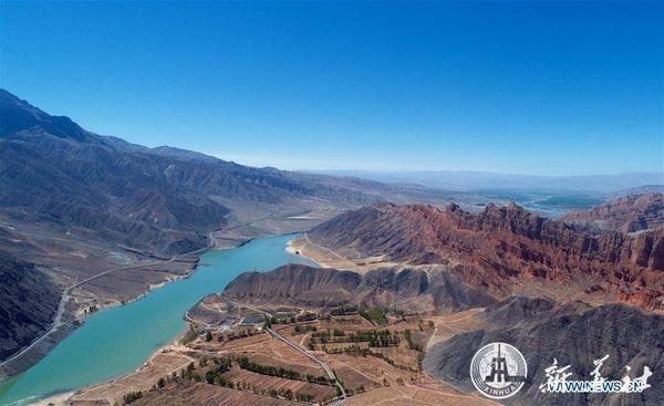 จีนเริ่มสร้าง 'ทางรถไฟสายที่ราบสูง' ข้ามน้ำทะลุเขาเชื่อมชิงไห่-เสฉวน (ภาพซินหวา สื่อทางการจีน)