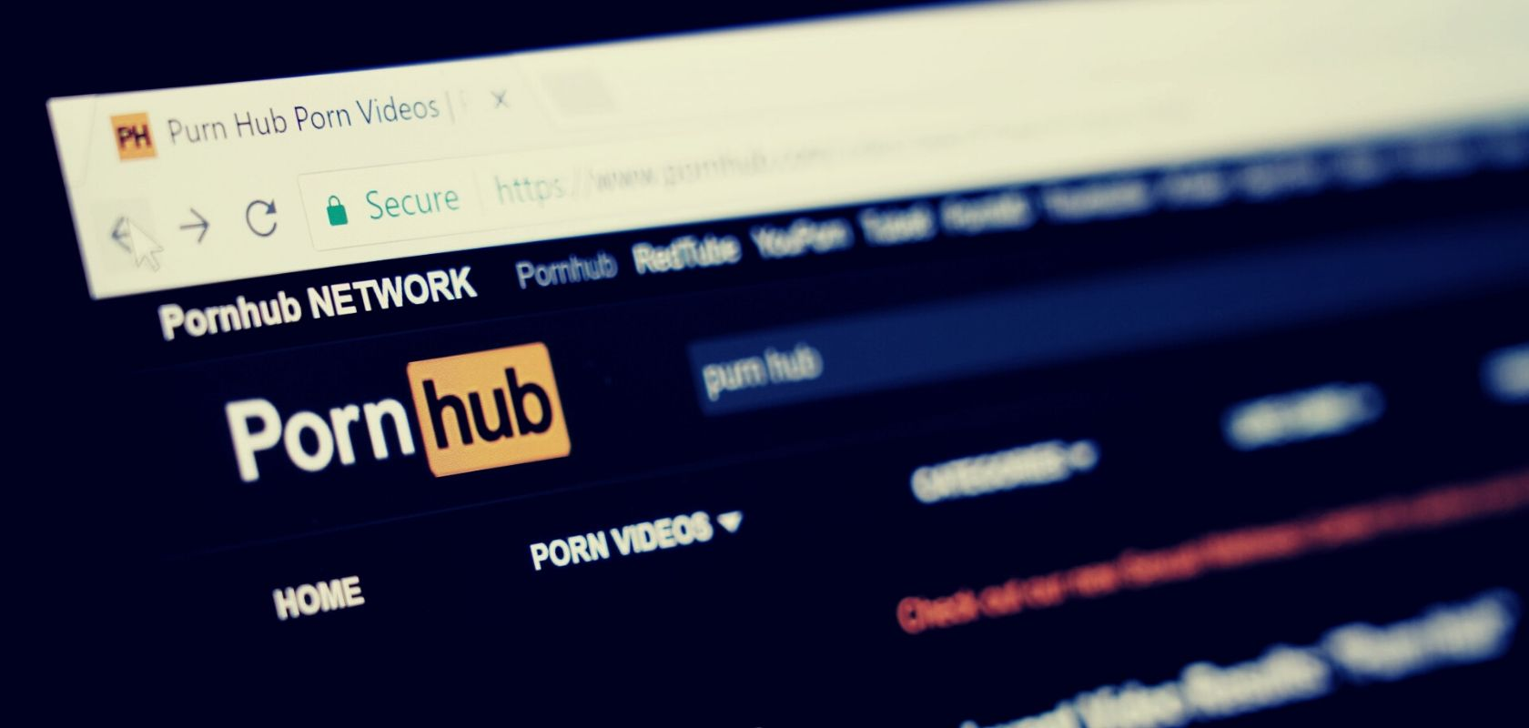 ชาวเน็ตหลายแสนแห่ลงชื่อเล่นงาน Pornhub กล่าวหามีวีดีโอข่มขืน-ล่วงละเมิด
