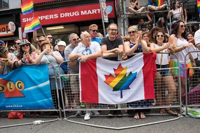 """แคนาดาเสนอกฎหมายห้ามบำบัดเพื่อเปลี่ยน """"รสนิยมทางเพศ"""""""