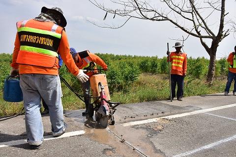ทช.จ้างแรงงานกว่า 8 พันคนทั่วประเทศ ซ่อม/สร้างถนน กระจายรายได้ กว่า 800ล.