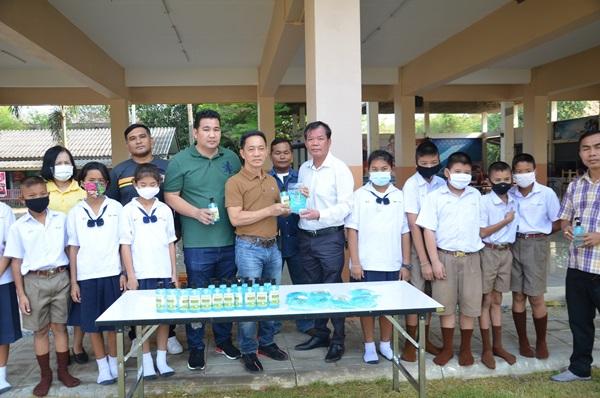 เด็กนักเรียนกว่า 400 คน บ้านหลุมรัง เริ่มสอบแล้ว หลัง ผอ.ประกาศปิด 5 วัน หนีโควิด-19