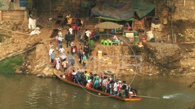 ล้นด่าน!แรงงานพม่าแห่กลับบ้านหนีโควิด19-รอฉลองสงกรานต์