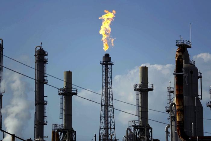 จริงๆ แล้ว 'รัสเซีย'มุ่งรบกับ'พวกบริษัทน้ำมันอเมริกัน'เพื่อชิงส่วนแบ่งตลาด