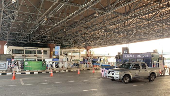 (มีคลิป)ด่วน!ปิดสะพานมิตรภาพไทย-ลาว ห้ามคนเข้าออกเว้นรถบรรทุกสินค้า